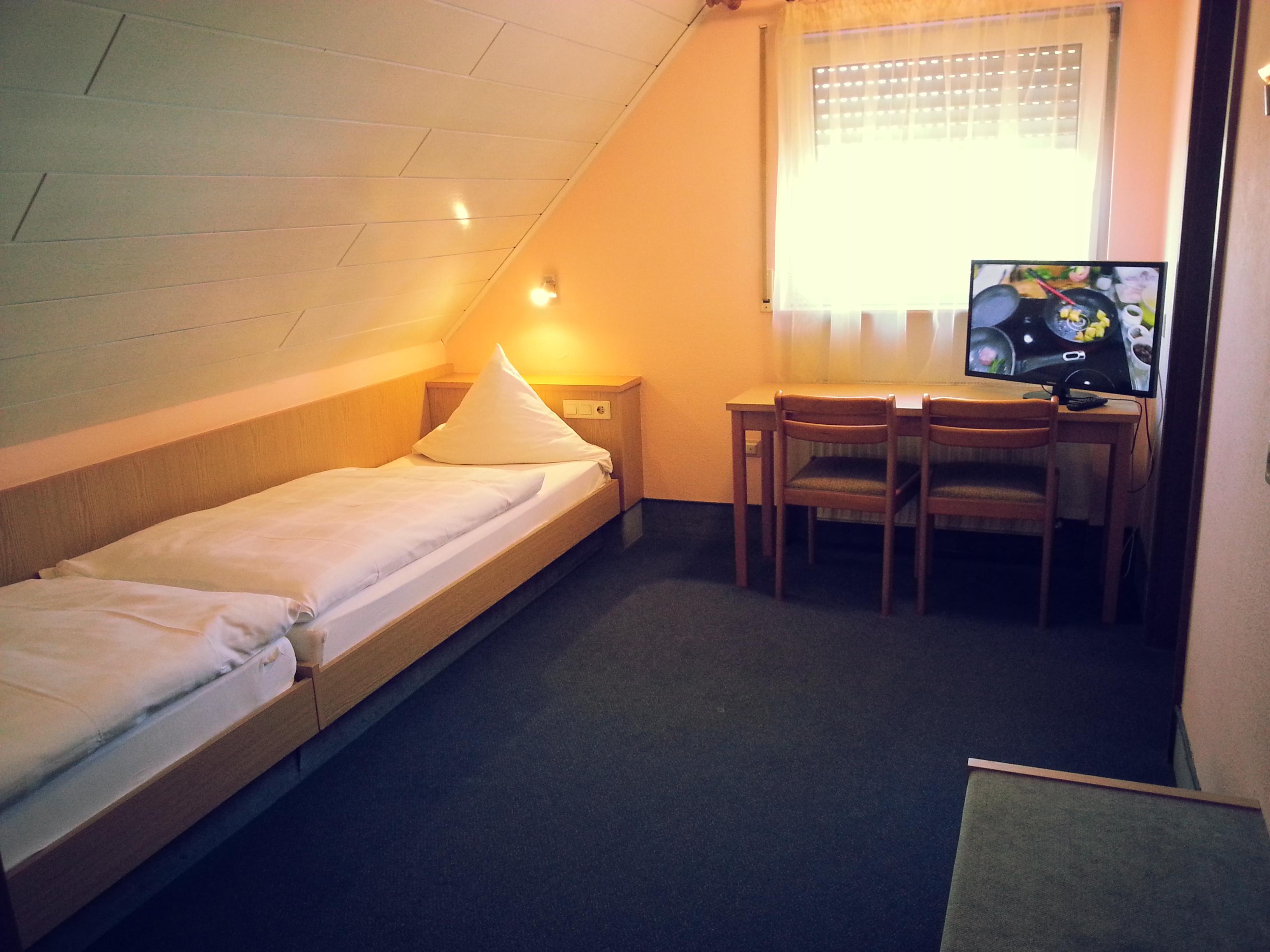 Budget Zweibettzimmer im Dachgeschoss